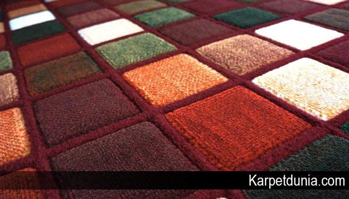Karpet Polos atau Karpet Bermotif Mana Yang Lebih Baik
